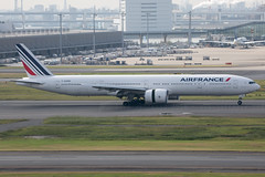 F-GZNR B777-300ER Air France (JaffaPix +5 million views-thanks...) Tags: fgznr b777300er af afr airfrance jaffapix davejefferys tokyoairport japan aircraft airplane aeroplane aviation flying flight runway airline airliner hnd haneda tokyohaneda hanedaairport rjtt planespotting 777 b777 b77w boeing
