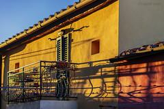 E luce sia.  / And light be it. (Eugenio GV Costa) Tags: luce case città light houses city finestre windows