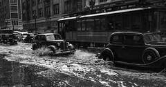 Splash on the street. (Txemari - Argazki.) Tags: