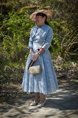 Summer outfit (f22photographie) Tags: crich1940sweekend2019 people vintageevent glamour summerdress hats handbags shoes portraits candidphotography 1940sfashion