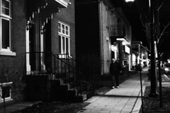 IMG_8032-4 (andréechevalier) Tags: joliette nuit noir et blanc ville