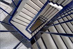 Stairwell (Eva Haertel) Tags: eva haertel sonyilce6500 architektur architecture haus house stairway staircase treppenhaus struktur struture perspektive perspective down up aufwärts abwärts blau blue fliese tile steps linien lines