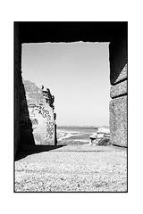 La côte sauvage - Quiberon (JJDuvoisin) Tags: pentax spotmatic 24mm ilford fp4 hardwaresp
