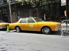 Yellow 1970s Chevrolet Caprice Taxi Cab NYC 6921 (Brechtbug) Tags: yellow 1970s chevrolet caprice taxi cab 45th street manhattan vintage 1970 70s 80s 1980 1980s type car cabs near times square midtown new york city 2019 april spring 04242019 nyc boxy old older