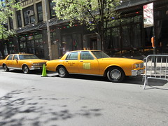 Yellow 1970s Chevrolet Caprice Taxi Cab NYC 6919 (Brechtbug) Tags: yellow 1970s chevrolet caprice taxi cab 45th street manhattan vintage 1970 70s 80s 1980 1980s type car cabs near times square midtown new york city 2019 april spring 04242019 nyc boxy old older
