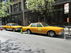 Yellow 1970s Chevrolet Caprice Taxi Cab NYC 6918 (Brechtbug) Tags: yellow 1970s chevrolet caprice taxi cab 45th street manhattan vintage 1970 70s 80s 1980 1980s type car cabs near times square midtown new york city 2019 april spring 04242019 nyc boxy old older