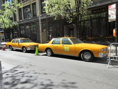 Yellow 1970s Chevrolet Caprice Taxi Cab NYC 6917 (Brechtbug) Tags: yellow 1970s chevrolet caprice taxi cab 45th street manhattan vintage 1970 70s 80s 1980 1980s type car cabs near times square midtown new york city 2019 april spring 04242019 nyc boxy old older