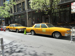 Yellow 1970s Chevrolet Caprice Taxi Cab NYC 6916 (Brechtbug) Tags: yellow 1970s chevrolet caprice taxi cab 45th street manhattan vintage 1970 70s 80s 1980 1980s type car cabs near times square midtown new york city 2019 april spring 04242019 nyc boxy old older