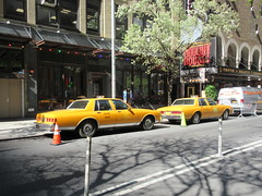 Yellow 1970s Chevrolet Caprice Taxi Cab NYC 6910 (Brechtbug) Tags: yellow 1970s chevrolet caprice taxi cab 45th street manhattan vintage 1970 70s 80s 1980 1980s type car cabs near times square midtown new york city 2019 april spring 04242019 nyc boxy old older