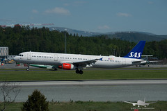 SAS - OY-KBE - A321-200 (Aviation & Maritime) Tags: oykbe sas scandinavianairlines scandinavian airbus a321 a321200 airbus321 airbus321200 bgo enbr bergenairportflesland bergenlufthavnflesland bergen flesland
