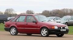G562 CHN (Nivek.Old.Gold) Tags: 1989 ford escort 14 l 5spd 5door