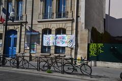 Série loi Blanquer dans les rues de Paris (Jeanne Menjoulet) Tags: école loiblanquer danger grève school france strike banderole ecolestbernard ruesaintbernard paris