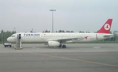 TURKISH AIRLINES TC-JRE Airbus  A321-231 arrival at Warsaw WAW Poland from Istanbul ISL Turkey (Cupertino 707) Tags: turkish airlines tcjre airbus a321231 arrival warsaw waw poland from istanbul isl turkey first flight date 10052007 25052007 thy named trabzon 04122007 saudi arabian 27122007 turkishairlines beypazari