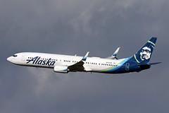 B737-9.N215AK (Airliners) Tags: alaska alaskaairlines 737 b737 b7379 b737900 b737990 b737ng boeing boeing737 boeing737900 boeing737990 iad n215ak 42219