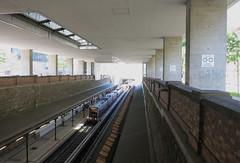 Burggasse Stadthalle (Don Claudio, Vienna) Tags: burggasse stadthalle hauptbücherei u bahn wiener linien wien vienna gürtel urban loritz platz