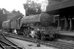 c.1964 - Newcastle (Central). (53A Models) Tags: britishrailways lner gresley a3 462 60062 minoru steam passenger newcastle train railway locomotive railroad