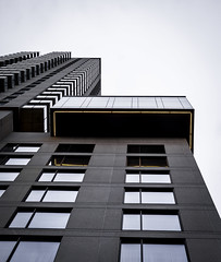 Haut (LetNoun) Tags: skyscraper architecture centreville downtown minimal plonge printemps promenade spring