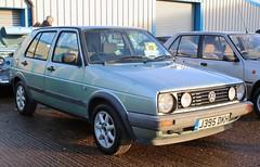 J395 DKH (Nivek.Old.Gold) Tags: 1991 volkswagen golf driver 5door 1595cc aca stationroadgarage
