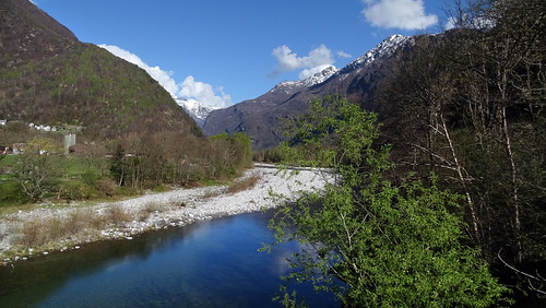 Im schönen Maggiatal unterhalb von Lodano