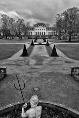Hessen Fulda Schlossgarten Blick zur Orangerie (michael_obst) Tags: fulda hessen rhön monochrome blackandwhite orangerie