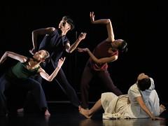 雲門 (黎島羊男) Tags: 雲門 雲門舞集 cloudgate cloudgatedancetheatre dance performing performance theatre olympus em1markii zuiko zuiko50200