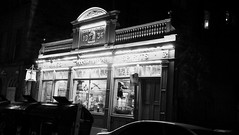 Hispaniola at Night (byronv2) Tags: edinburgh edimbourg scotland blackandwhite blackwhite bw monochrome southside night edinburghbynight architecture building nuit nacht hispaniola rutherfords drummondstreet bar restaurant literature literary robertlouisstevenson books treasureisland 1834
