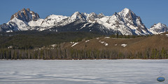 Sawtooth Over Little Redfish 2019 (TheArtOfPhotographyByLouisRuth) Tags: sawtooth sawtoothmountains sawtoothpeaks louisruthphotography landscape artofimages snow idaho april2019 stanleyidaho winter peaks trees