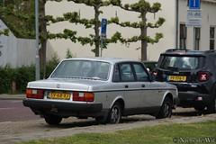 1988 Volvo 240 GL (NielsdeWit) Tags: nielsdewit car vehicle sv68xj volvo 240 gl zutphen pf776t