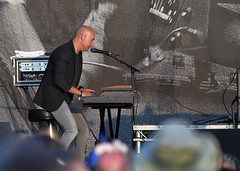 383-20180603_14th Wychwood Music Festival-Cheltenham-Gloucestershire-Main Stage-Feeder-keyboards (Nick Kaye) Tags: wychwood music festival cheltenham gloucestershire england