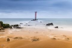 La Barre d'Etel (Le Beux Pascal) Tags: longuepose rocher sable balise mer labarredetel morbihan bretagne