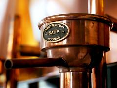 Distillerie Straw Bale P1190337_detail (Twilight'Zone) Tags: distillerie strawbale vacquiers