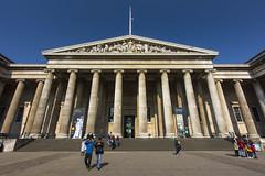 UK - London - British Museum Entrance 02_DSC5467 (Darrell Godliman) Tags: uklondonbritishmuseumentrance02dsc5467 britishmuseum museum london bloomsbury architecture building uk unitedkingdom gb greatbritain britain england europe facade columns column pediment