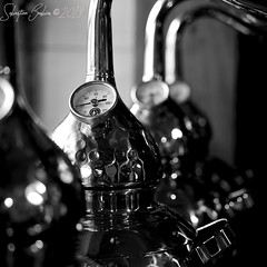Distillerie Straw Bale P1190322_Mini_NB_WM (Twilight'Zone) Tags: distillerie strawbale vacquiers