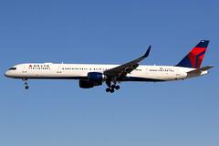 Delta Air Lines | Boeing 757-300 | N590NW | Las Vegas McCarran (Dennis HKG) Tags: aircraft airplane airport plane planespotting skyteam canon 7d 100400 lasvegas mccarran klas las delta deltaairlines dal dl usa boeing 757 757300 boeing757 boeing757300 n590nw