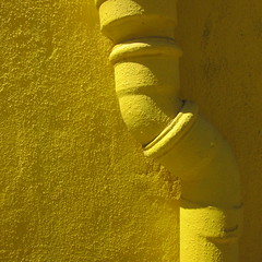 skoliosis [explored] (petergrossmann) Tags: yellow artedetubos portugal lisboa havefun