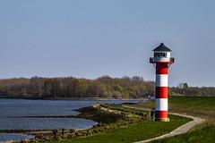 Elbe bei Hamburg (bhermann.hamburg) Tags: ngc elbe river fluss wasser water leuchtturm lighthouse