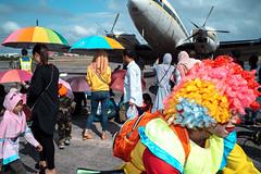 * (Sakulchai Sikitikul) Tags: street snap streetphotography songkhla summicron sony 35mm leica thailand a7s hatyai flash plane umbrella rainbow clown