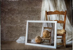 calabazas (monsugar) Tags: bodegon stilllife silla luz textura mueble calabaza fruta cuadro marco art photo