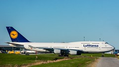 Lufthansa 747-400 YYZ/CYYZ (Sonny Photography) Tags: lufthansa 747 744 747400 boeing yyz cyyz aircraft airplane aviation avgeek avnerd planelovers planespotters planespotting planespot taxiing jumbo jet nikon 70300mm