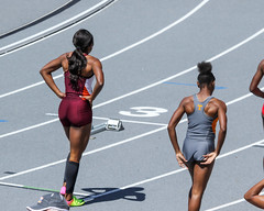 2017_TNR_F0208 (Knox Triathlon Dude) Tags: 2017 run race women briefs bunhuggers hurdles 400m track college varsity usa northamerica 400mhurdles university legs thighs hips woman