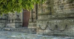 Encadenados a la Fé (pedroramfra91) Tags: catedral arquitectura architecture arbol tree exteriores outdoors ciudad town