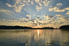 Ribadesella , Asturias (Nacho_71*) Tags: ribadesella asturias ria sella sol nubes cielo puestadesol ocaso