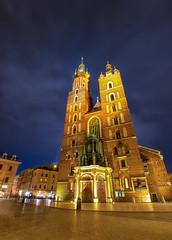 Iglesia de Santa María, Cracovia. (Ál Men-chez) Tags: cracovia polonia iglesia de santa maria estilo gotico