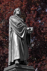 Luther (linuxmail) Tags: luther reformation worms denkmal statue skulptur bibel reichstag