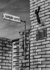 6   /   beware of the auto! (monokhromov) Tags: pentaxk50 smcpentaxa11750mm blackwhite monochrome bw blackandwhite urban riga 6 six sign wall brickwall