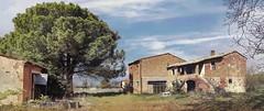 Casa colonica (bellinipaolo31) Tags: fc03911 paolobellini farniole foianodellachiana abitazione casacolonica esplorazioniurbane aia