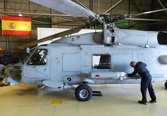 FLOAN - BASE AERONAVAL DE ROTA - NAS ROTA (SPANISH NAVY - NAS ROTA) ARMADA ESPAÑOLA (DAGM4) Tags: rota baseaeronavalderota villaderota andalucía españa europa europe espagne espanha espagna espana espanya espainia spain spanien militar military spanishnavy sikorskysh60bseahawk