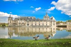 château de Chantilly AV G nat oies (gilles207) Tags: chateau chantilly oise nag ngc 60 canon 5d histoire renaissance reflet parc eau castle