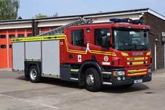 Humberisde - YN18XYY - Scunthorpe - WrL (matthewleggott) Tags: humberside fire rescue service engine appliance scania emergency one scunthorpe yn18xyy wrl