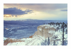 Bryce Point 8296ft - Velvia 50 exp* (magnus.joensson) Tags: usa utah themighty5 sunrise brycepoint bryce canyon national park nikonfe zeiss planar 50mm zf2 81a fuji velvia 50 exp2006 exp outdoor landscape